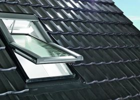 Okno zdalnie sterowane Designo R6 RotoTronic